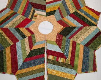 Christmas Quilted Tree Skirt String Pieced, Nancy Halvorsen Benartex Fabrics, Gold Center Star, Quilted Country Decor, Quiltsy Handmade