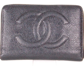 Stunning Auth ctg CHANEL wallet in caviar leather.