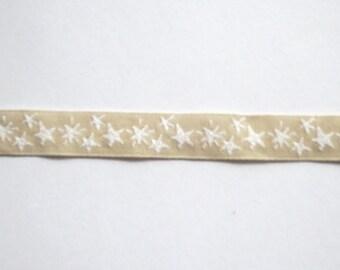 Ribbon star - beige/white