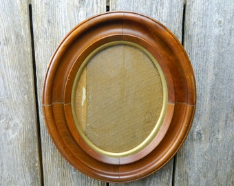 Antique 19th Century Oval Walnut Wood Frame
