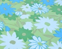 1960s Round Floral Fringed Tablecloth Green Blue Daisies Flower Power Groovy Retro