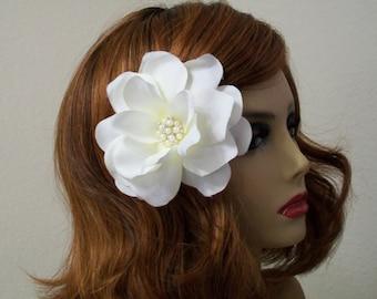 Bridal Flower Clip, Bridal Fascinator Clip, Wedding Hair Flower, Creamy White Gardenia Flower Clip, Flower Brooch, Wedding Hair Accessories