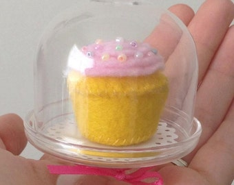 mini felt birthday cupcake with pink frosting and sprinkles