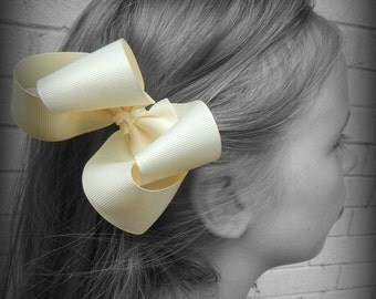 Ivory Hair Bow, Ivory Boutique Hair Bow, Ivory Hairbow, Ivory Hair Clip, Boutique Hair Bow, Hairbows, School Hair Bows, Hair Bows for Babies