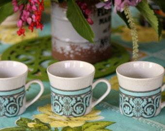 Gorgeous Vintage 1970's ceramic cups (3)