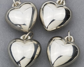 Vintage Silver Tone Puffy Heart Pendants Charms 17x17mm 4pcs for Necklace, Bracelet, Earrings and Crafts 10501002