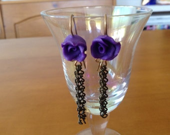 Purple roses with chains