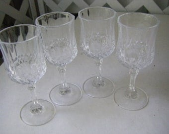 SET of 4 Cordial glasses.  Beautiful pressed GLASS