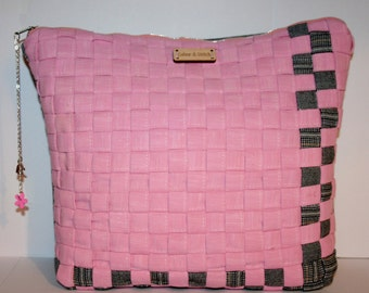 Clearance!!! Pink woven clutch bag