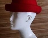 Vintage Men or Women Red Wool Hat