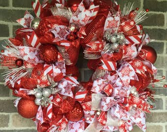 Deco Mesh Wreath Christmas Door Wreath, Winter Wreath, Red and White Wreath for Winter Holiday Decorations, Whimsical Wreath Winter