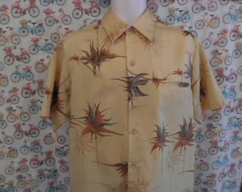 Vintage 70s Tori Richards Men's Button Down Shirt | Size Large | Polyester Collar Shirt | Short Sleeve | Aloha Camp Shirt Made in USA | Wow