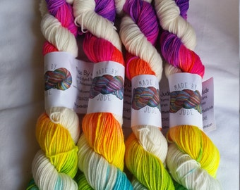 Brightest Rainbow 2x50g Platinum Sock (available in white or black)