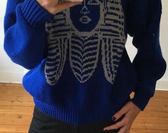 Oversized hand knitted blue vintage sweater with Toetanchamon