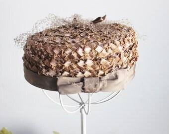 Vintage 1960s Pillbox Hat with Birdcage Veil / 60s Women's Vintage Straw Hat / Brown Pillbox Hat / Hat With Netting