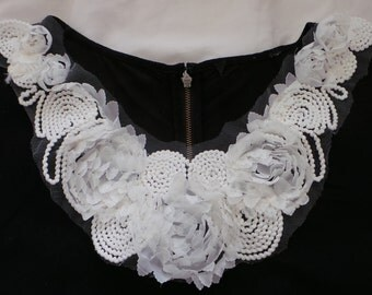 White Organza Flowers Collar