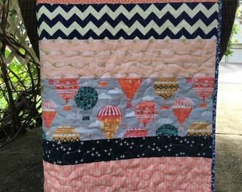 Balloon baby quilt, hot air balloons, chevrons, navy-peach-coral