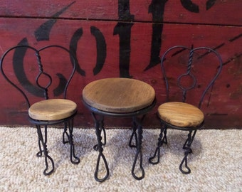 Ice Cream Parlor Table & Chairs