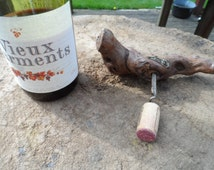 Old Cork Screw made from the wood of an old vine. Beautiful tactile Gnarled Appearance with Wine label Mocovin