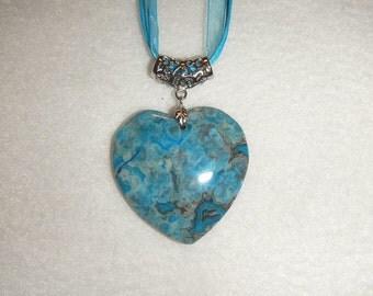 Heart-shaped Turquoise Blue Crazy Lace Agate pendant (JO368-1)