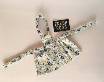 Miniature Dollhouse Vintage Inspired Apron with Bib - Creamy White with flowers