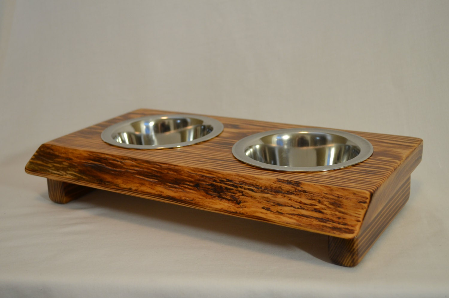 how to build dog dish holders