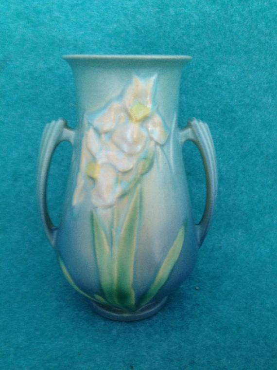 Roseville Pottery Iris Handled Vase Blue 916 6