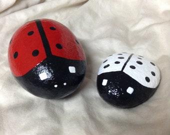 Hand painted ladybug garden rocks. Ladybug decor. Garden decor. Paper weight. Painted rocks.