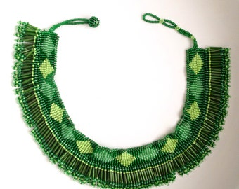 MADE iN SOUTH AFRICA Beaded tassel choker bib necklace// green & red