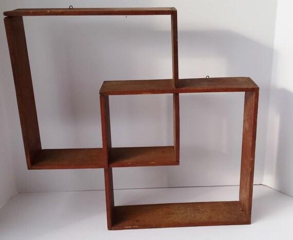vintage wood overlapping wall mount cube shelf. Black Bedroom Furniture Sets. Home Design Ideas