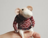 Cute mouse, needle felted mouse, needle character, felted ornament, woolen figurine, miniature, soft sculpture, figurine,  tender mouse