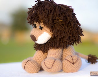 Crochet lion stuffed animal