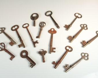 Set of 15 Vintage Skeleton Keys