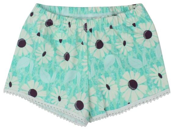 Mint Daisy Baby Shorts Toddler Shorts Girl Shorts Cluny Lace Trim Shorts Flower Toddler Shorts Floral Short Mint Girl Pants Floral Baby Gift