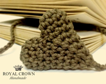 Crochet bookmark,Crochet heart,handmade bookmark,book lover gift,Bookmark Favors,Eco-friendly,best selling items,bookmark decor,heart decor