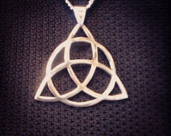 Triquetra Symbol Sterling Silver Pendant 0.925