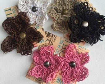 Set of 6 crocheted flower hair pins