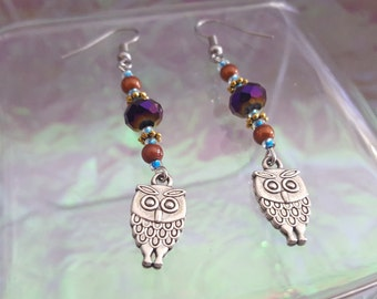 OWLS, dangling earrings with owls and colourful beads.