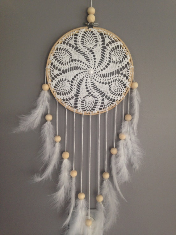 dream catcher en dentelle au crochet coloris blanc attrape. Black Bedroom Furniture Sets. Home Design Ideas
