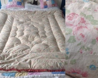 Eiderdown quilt vintage faded roses 1930s pretty floral feather bedding shabby chic retro inc  p and p