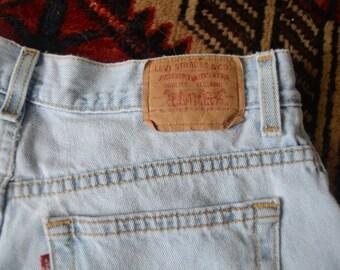Light Wash Vintage Levi Denim Shorts    Retro Vintage Denim Levi Strauss Boho