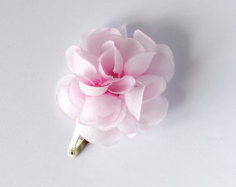 Floral hairpin Peony hairpin Pink flower pin Peony headpiece Small peony bud For little princess Pale pink Ready to ship Floral headpiece
