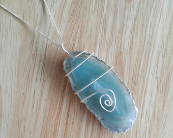 """Sliced Agate pendant with 18"""" chain"""