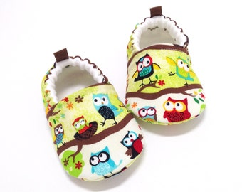 Owl Baby Shoes, Soft Sole Baby Shoes, Baby Booties, Toddler slippers, Baby Shower Gift, Baby Gift, owls