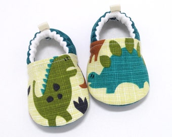 Dinosaur Baby Shoes, Soft Sole Baby Shoes, Teal Baby Booties, Toddler slippers, Baby Shower Gift, Baby Gift, T-rex baby, Dinosaur slippers