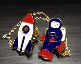 Vintage Designed Astronaut with Rocket Enamel Collar Pin Jewelry Accessories for Women Brooches_001