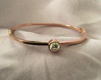 Solitary bracelet