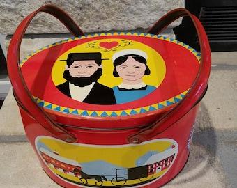 Vintage tin picnic basket with lid