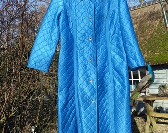 Vintage bathrobe * Shiny blue with stitched diamond pattern/Überkitsch/HIP/chic/Peignoir/Retro/gown/Years 50 60/Bathrobe