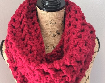 Cranberry chunky cowl